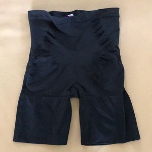 Black short spanx